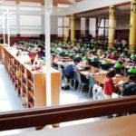 La Bibliotheque Interuniversitaire Cujas, premiere bibliotheque juridique de France / la salle de lecture. Paris, FRANCE - 01/2006